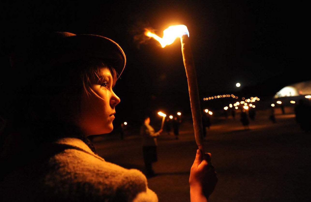 Des flammes à la lumière, saison 2016. Spectacle renouvelé.