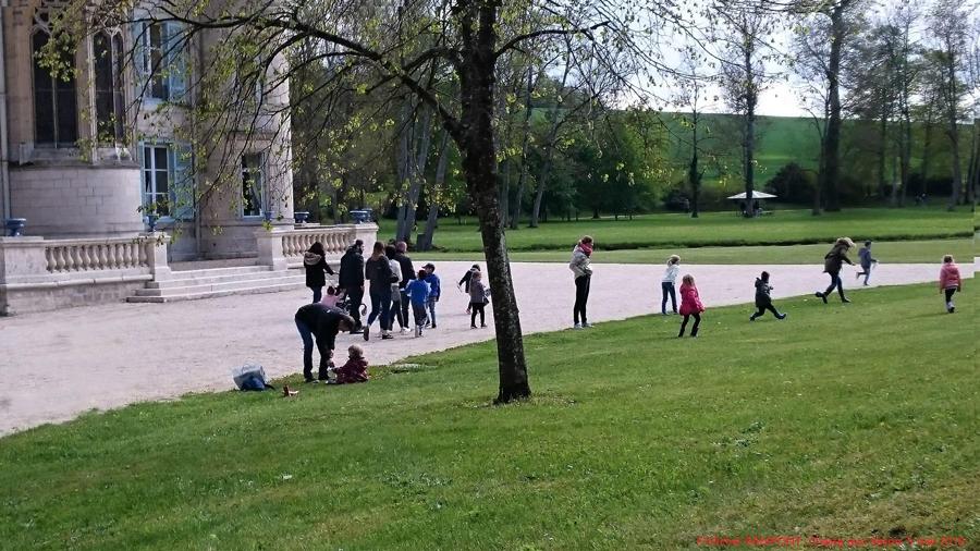 Cinquante bénévoles ont accueilli un millier de personnes, ce dimanche, dans le parc du château de Thillombois, à l'occasion de la chasse aux trésors organisée par Connaissance de la Meuse.