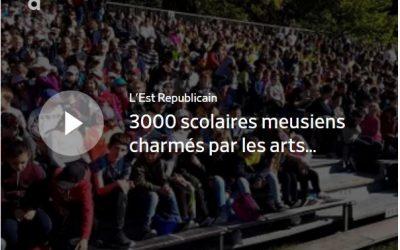 Invités par l'association Connaissance de la Meuse, 3000 élèves de 34 établissements scolaires du département ont été charmés, ce matin, par les prouesses des cavaliers participant à la 4e Biennale équestre de Thillombois